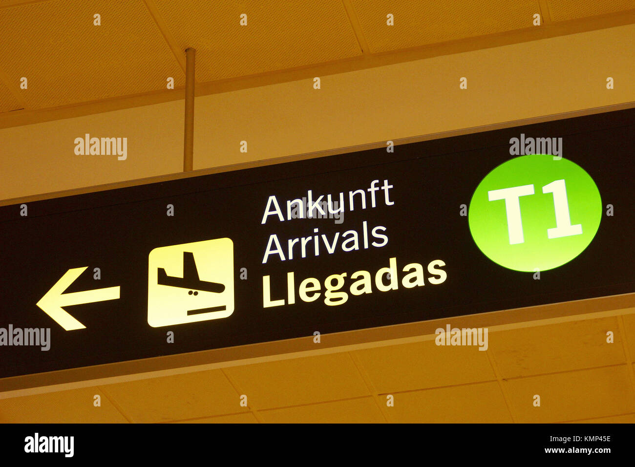 Spanish Language Signage Stock Photos Spanish Language Signage  # Muebles Simon Marbella