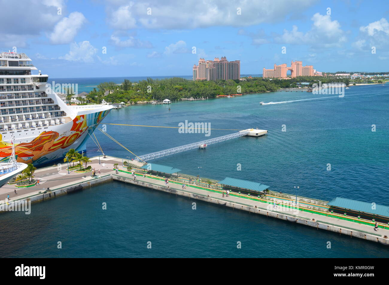 Port of nassau stock photos port of nassau stock images alamy - Cruise port nassau bahamas ...