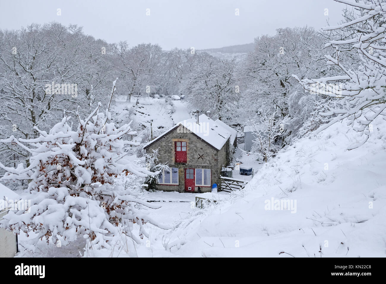 Snowy Scene With Cottage Stock Photos Amp Snowy Scene With