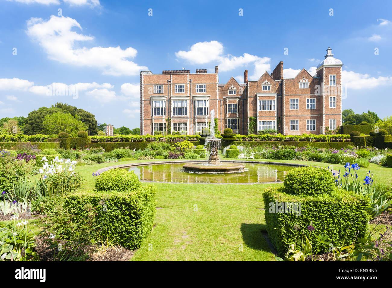 hatfield house gardens