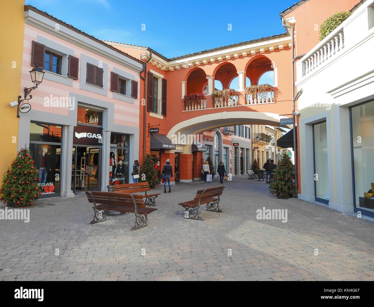 Alessandria italy stock photos alessandria italy stock for Milan outlet