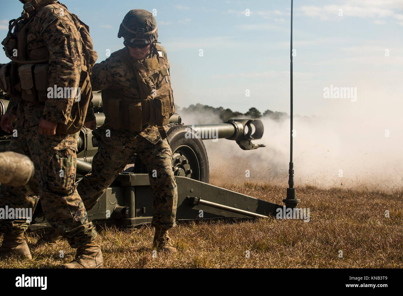 M777 howitzer stock photos m777 howitzer stock images for Direct flame