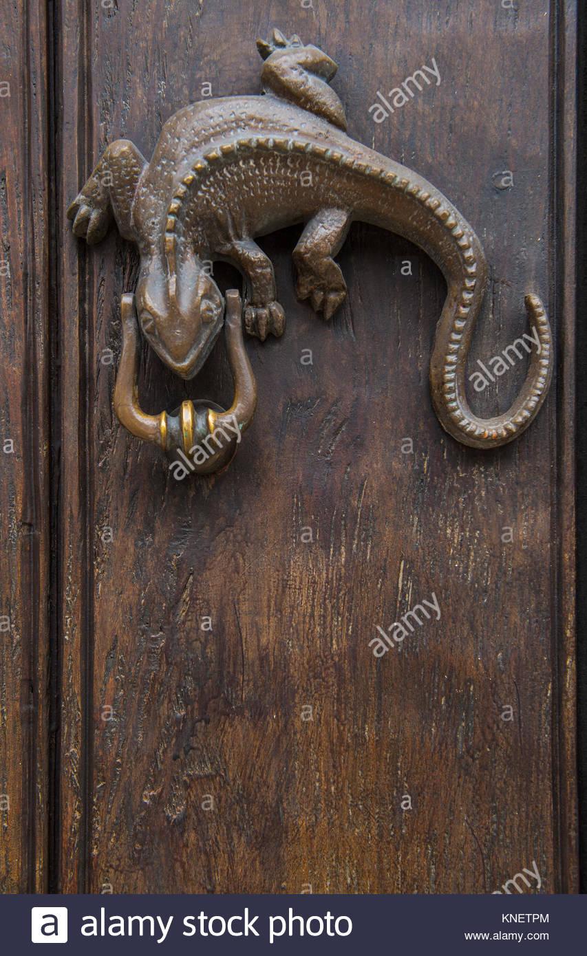 Lizard shaped door handle at an old house in Cartagena, Bolivar ...