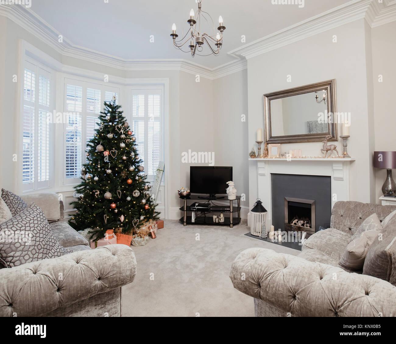 Empty Living Room: Christmas Tv Living Room Stock Photos & Christmas Tv
