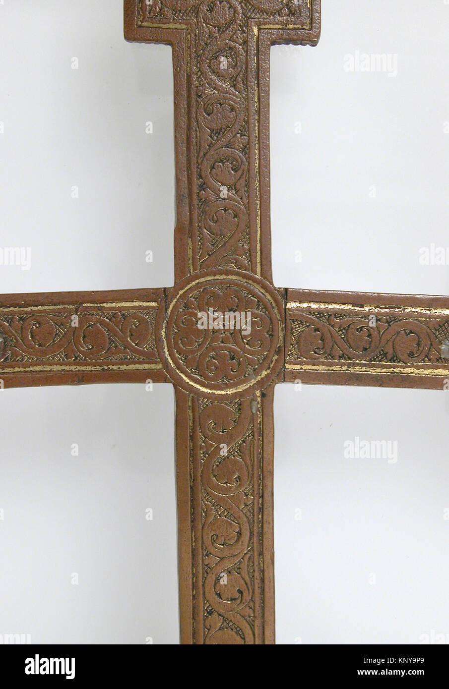 Cross met sf17 190 341cd5 464321 mosan cross 12th century copper cross met sf17 190 341cd5 464321 mosan cross 12th century copper overall 11 14 x 6 x 1 34 in 285 x 152 x 45 cm the metropolitan museum of art buycottarizona Image collections