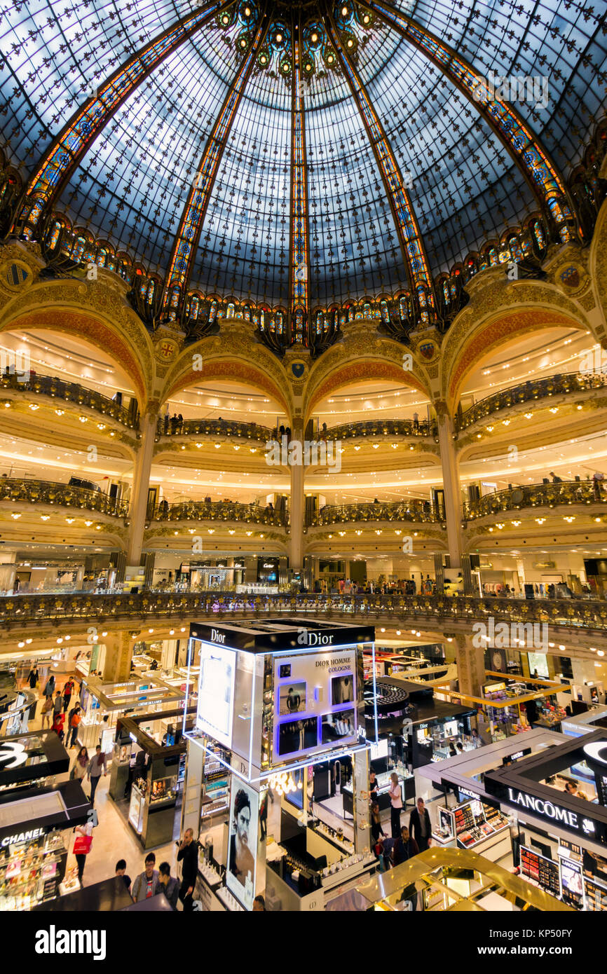 Bien connu Lafayette Luxury Mall Paris Stock Photos & Lafayette Luxury Mall  KO62