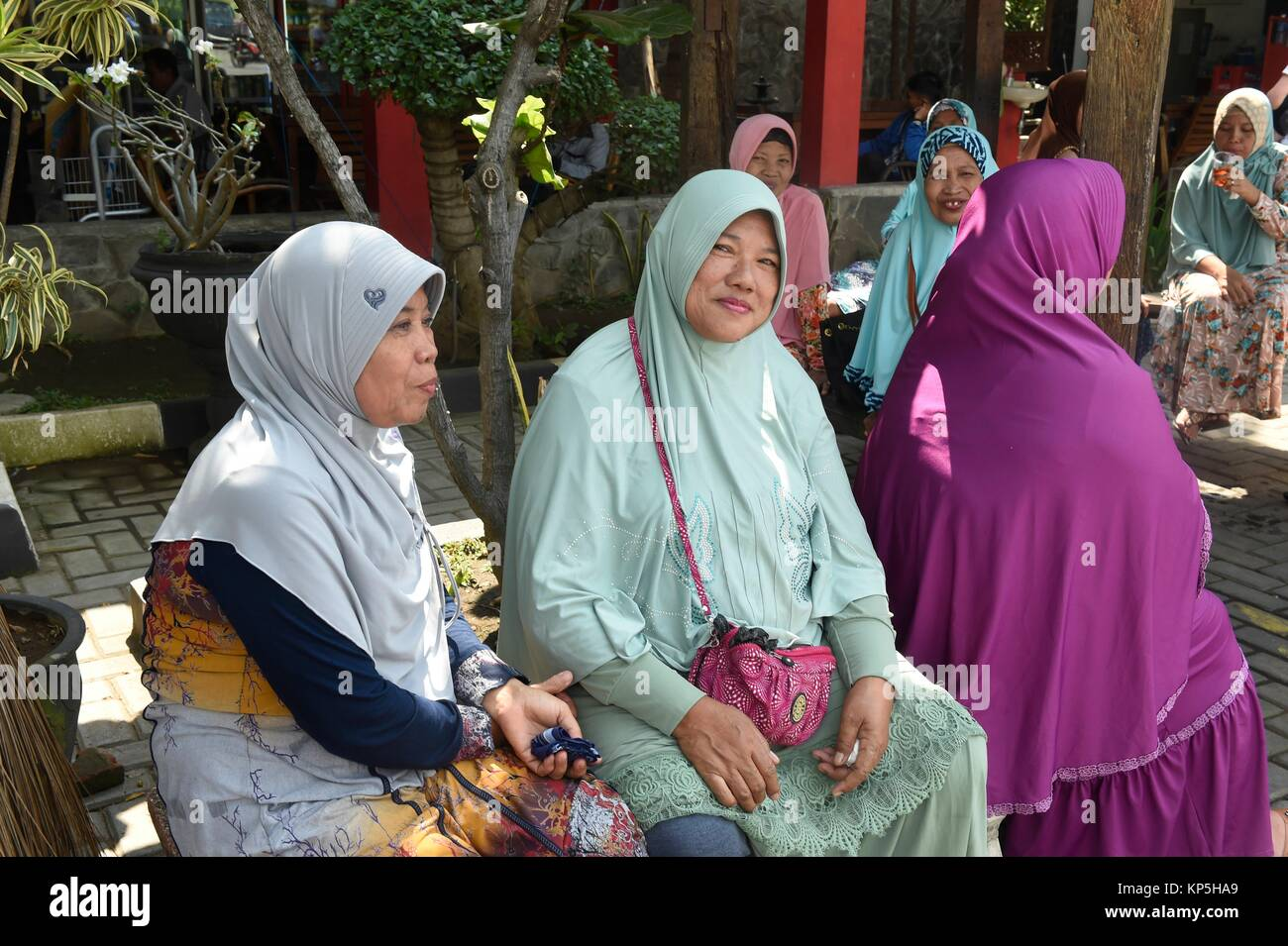 java muslim Most of the brand of islam that is adopted in java is mixed with long-standing  indigenous beliefs,.