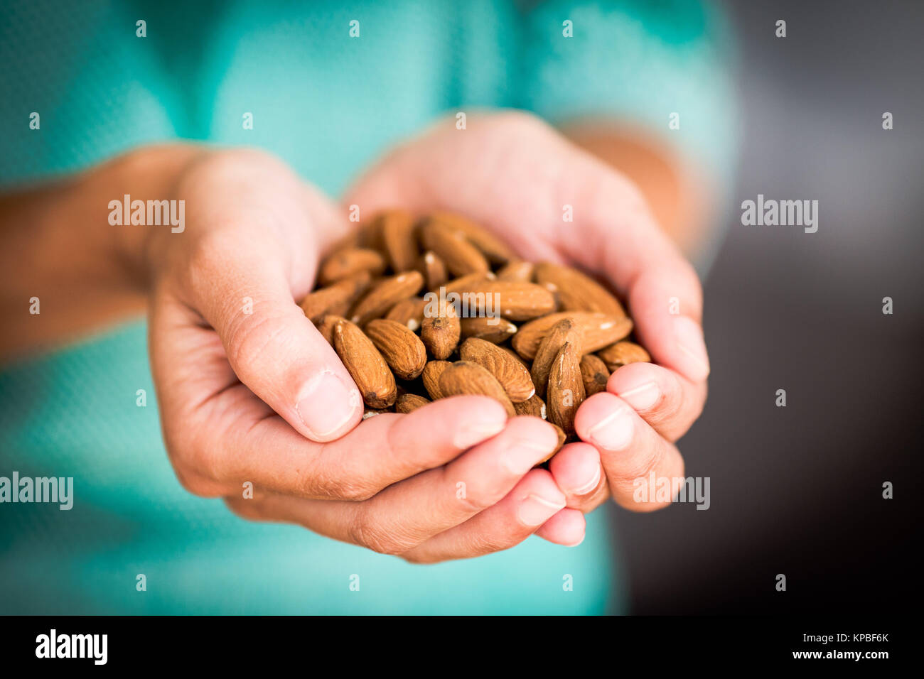 almond women Almond breeze only uses blue diamond® almonds, cared for by our family of almond growers in california almondmilk delicious in everything,.