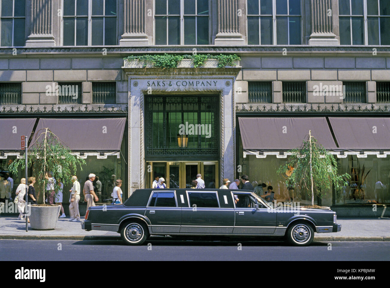 1987 Historical Stretch Lincoln Town Car Limo Saks Department Store