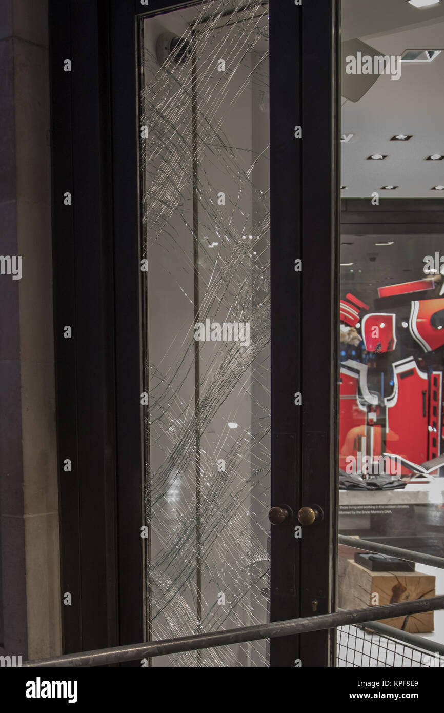 A window is seen to havve been smashed at Canada Goose, Regent Street following a robbery just after 1am this morning. This attack follows a similar raid at ...