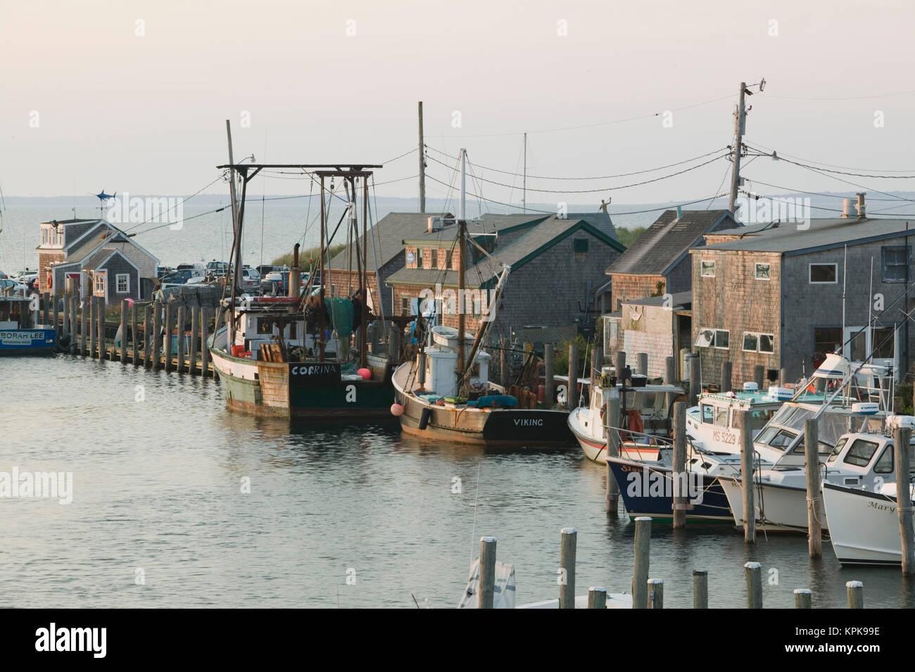 Menemsha harbor stock photos menemsha harbor stock for Martha s vineyard fishing charters