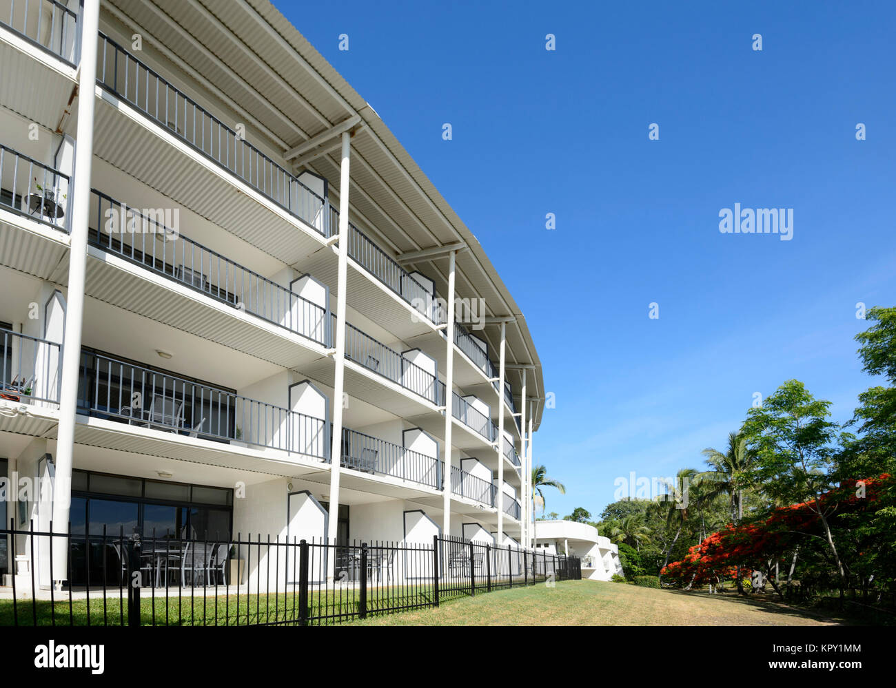 Bellevue Luxury Beachfront Holiday Apartments At Trinity Beach A Popular Northern Beaches Suburb Of Cairns Far North Queensland Fnq Qld Australia