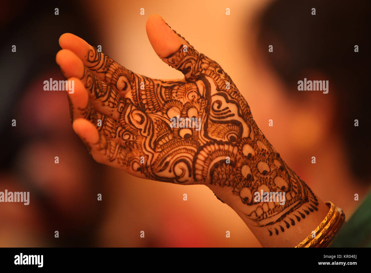 Mehndi Fingers Review : Henna tattoo u fabulous at home