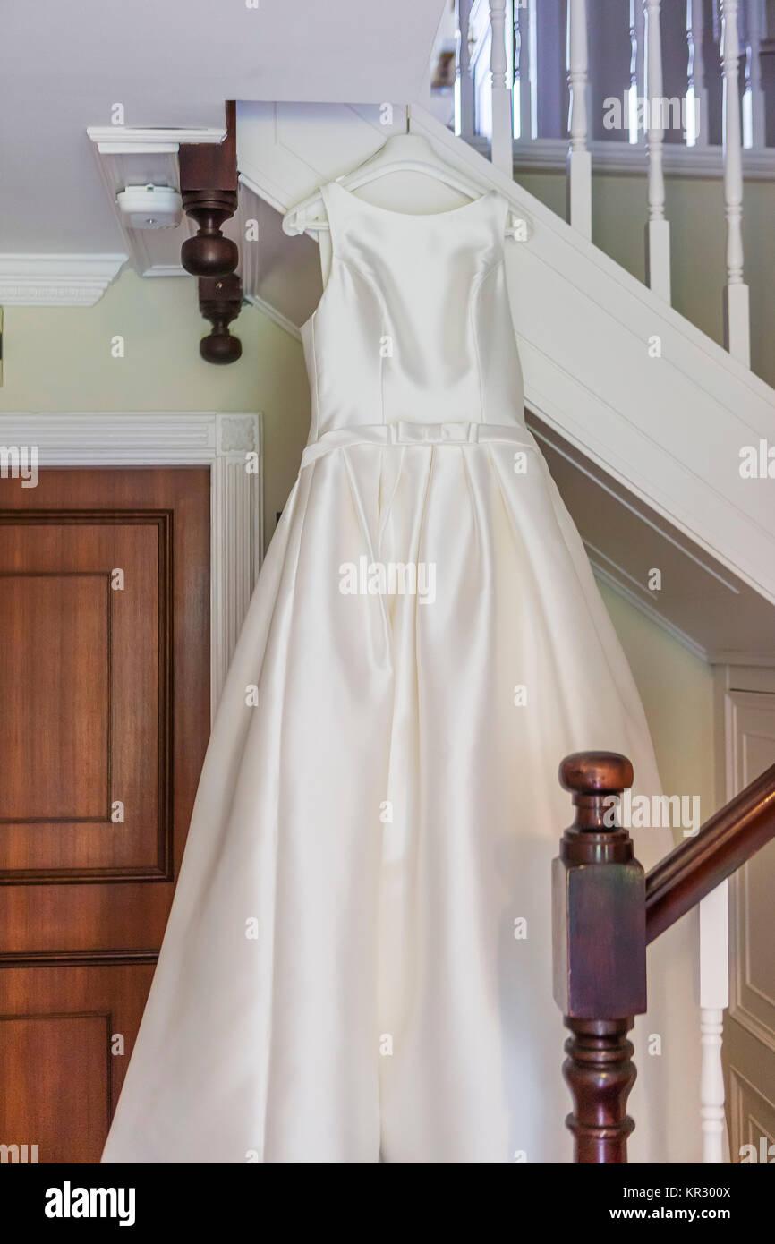 brides dress on a hanger Stock Photo: 169096282 - Alamy