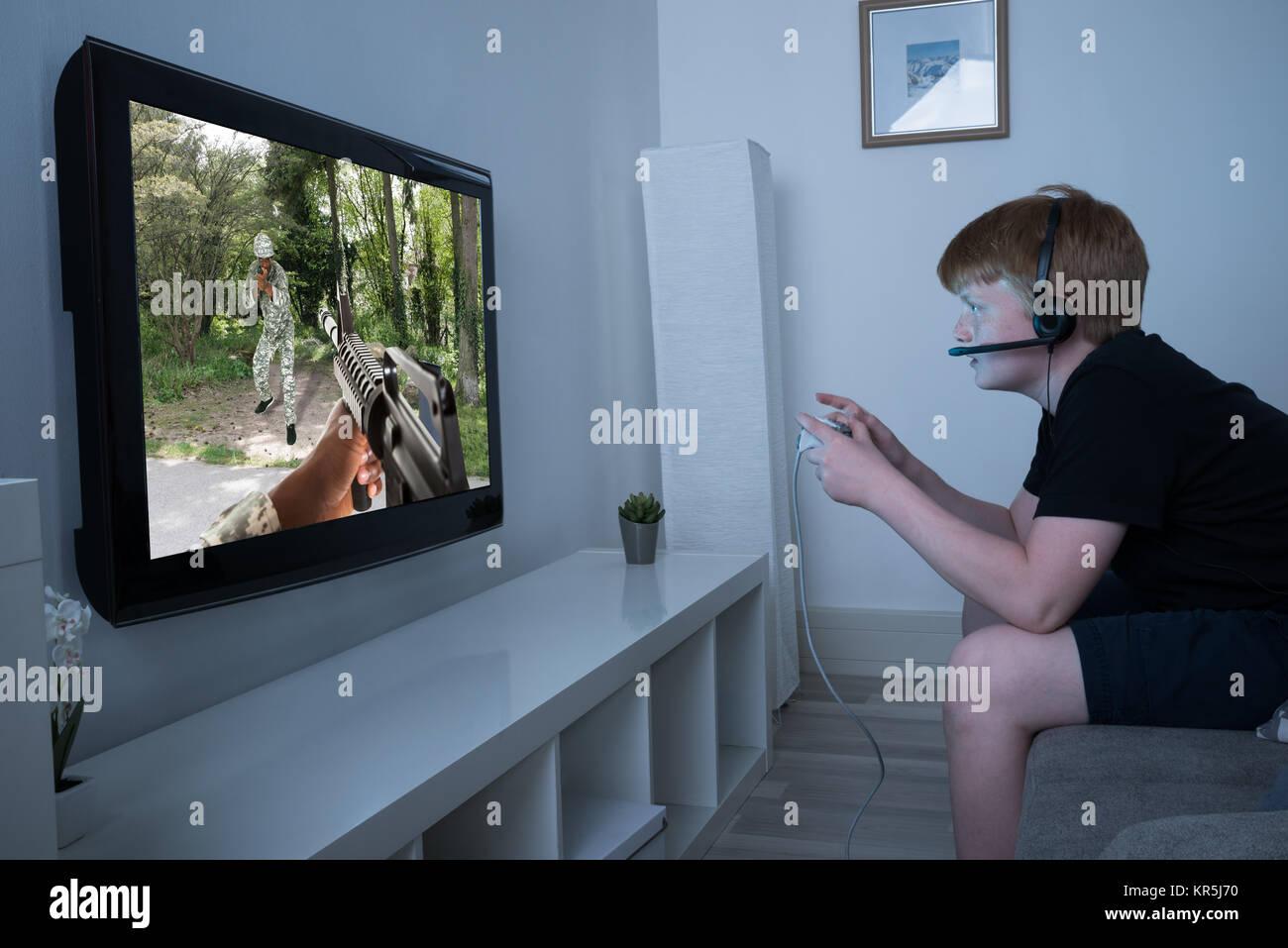 Teen Gun Stock Photos Teen Gun Stock Images Alamy # Port Television En Bois