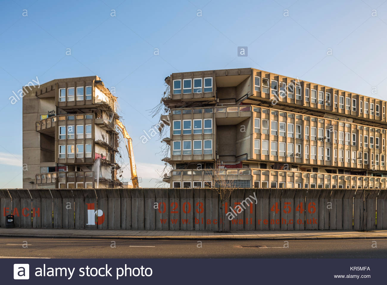 a geography of robin hood gardens estate Wikimapia is an online editable map - you can describe any place on earth or just surf the map discovering tonns of already marked places.