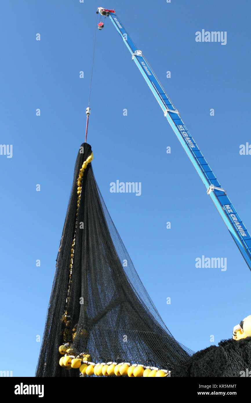 Cargo net stock photos cargo net stock images alamy for Big fishing net