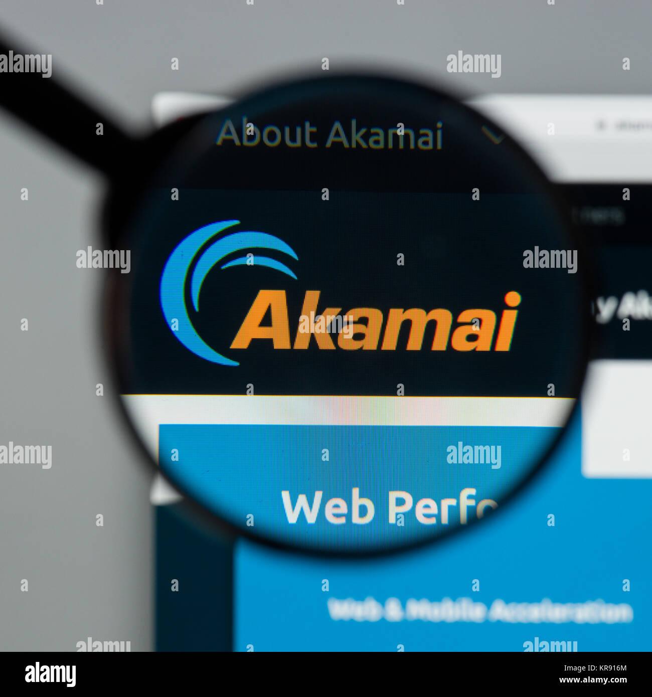 Milan Italy August 10 2017 Akamai Technologies Website Homepage