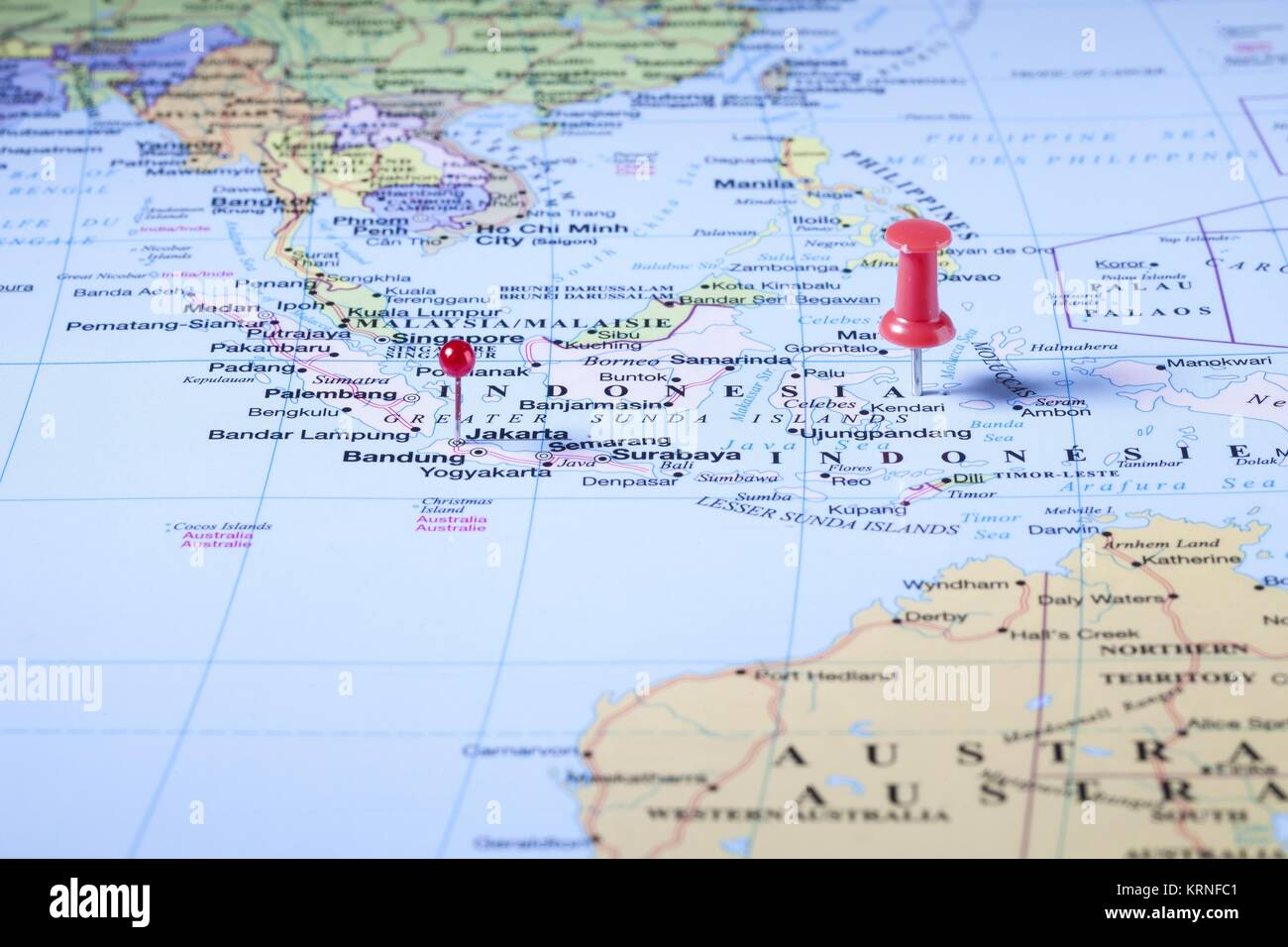 indonesia map with red pin Stock Photo: 169503489 - Alamy