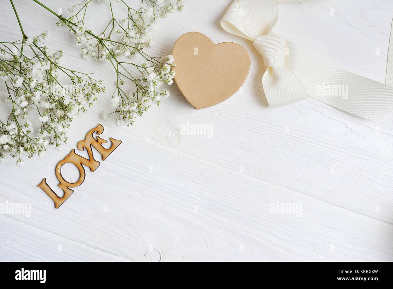 Ромашки подарок цветы с надписью люблю цветы горшках южно-сахалинске