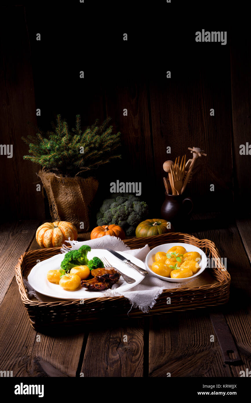 Knochen Stock Photos & Knochen Stock Images - Page 9 - Alamy