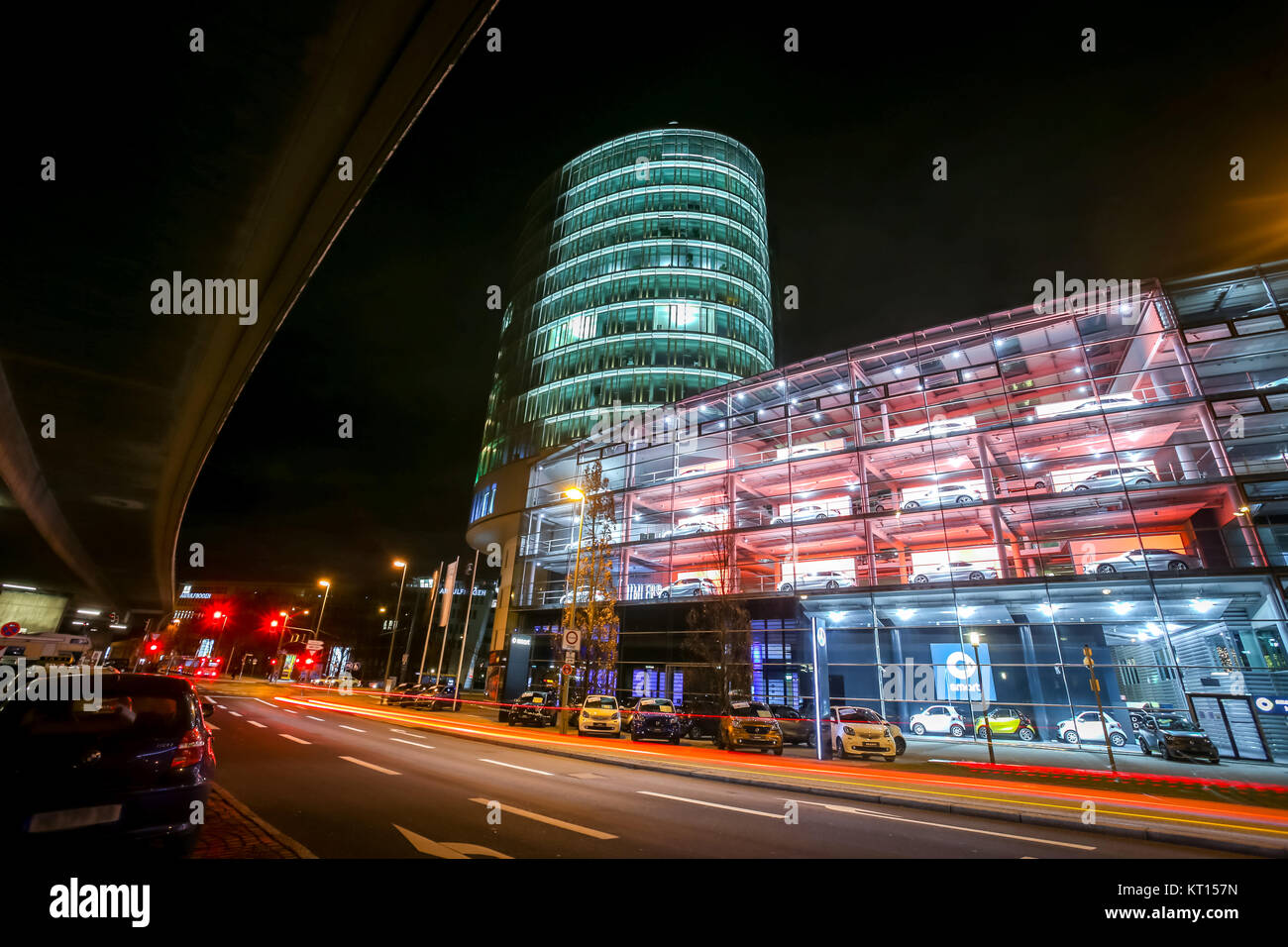 Mercedes Benz Building Stock Photos & Mercedes Benz ...