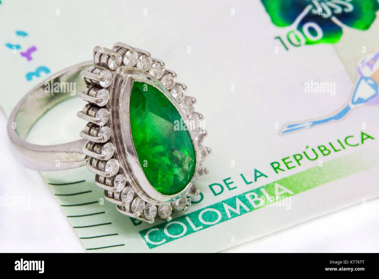 Raw Emerald Rock Ring