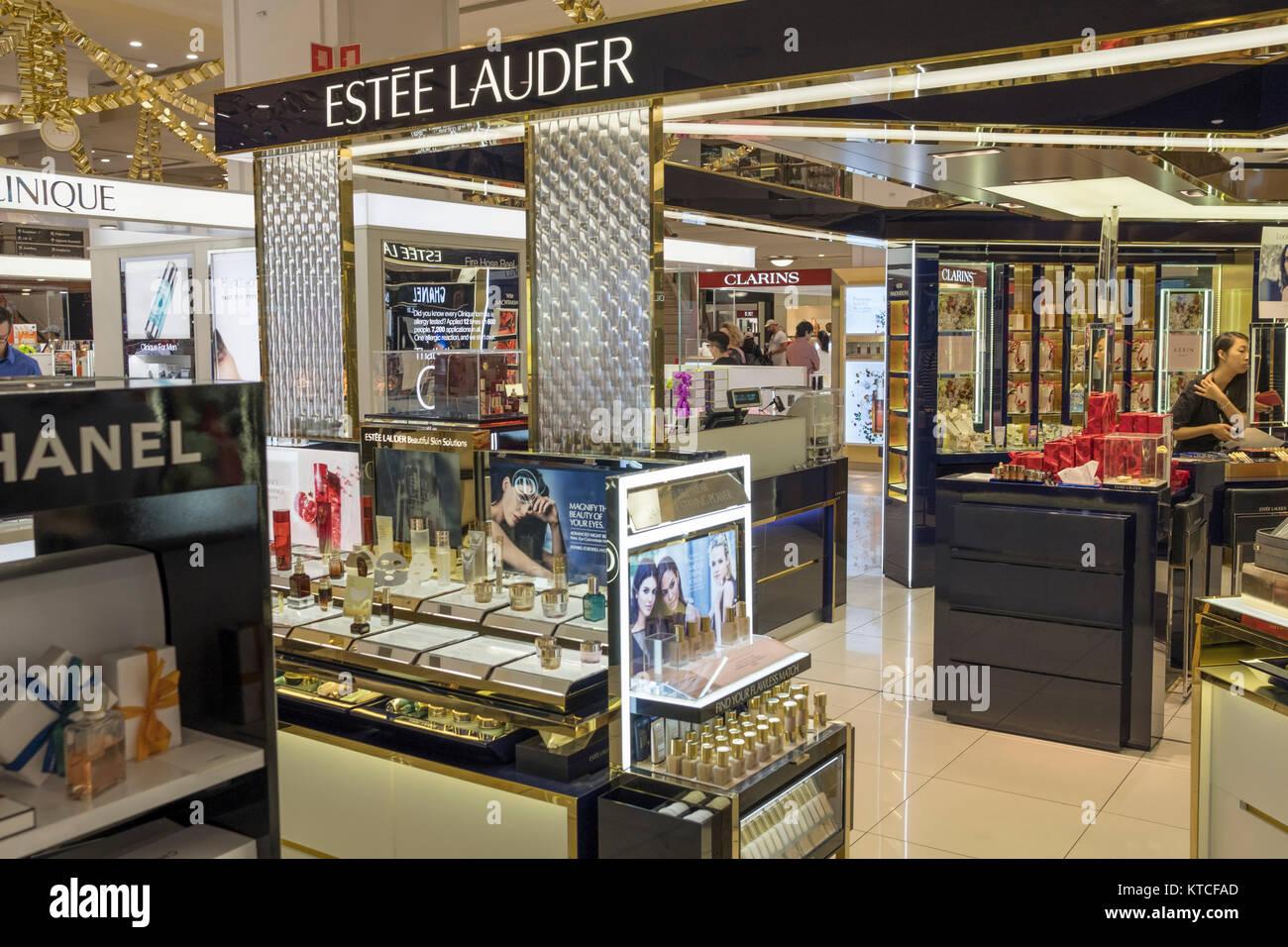 Estee Lauder Stock Photos & Estee Lauder Stock Images