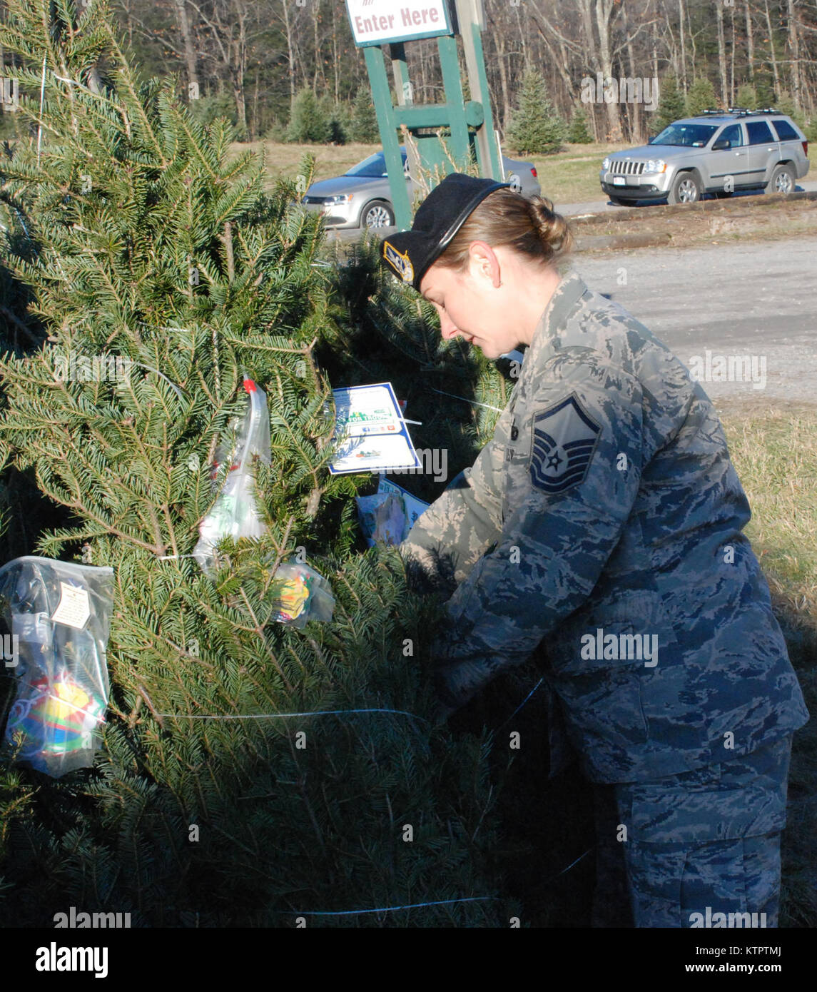New York Air National Guard Master Sgt Kara Tatlock Helps Place