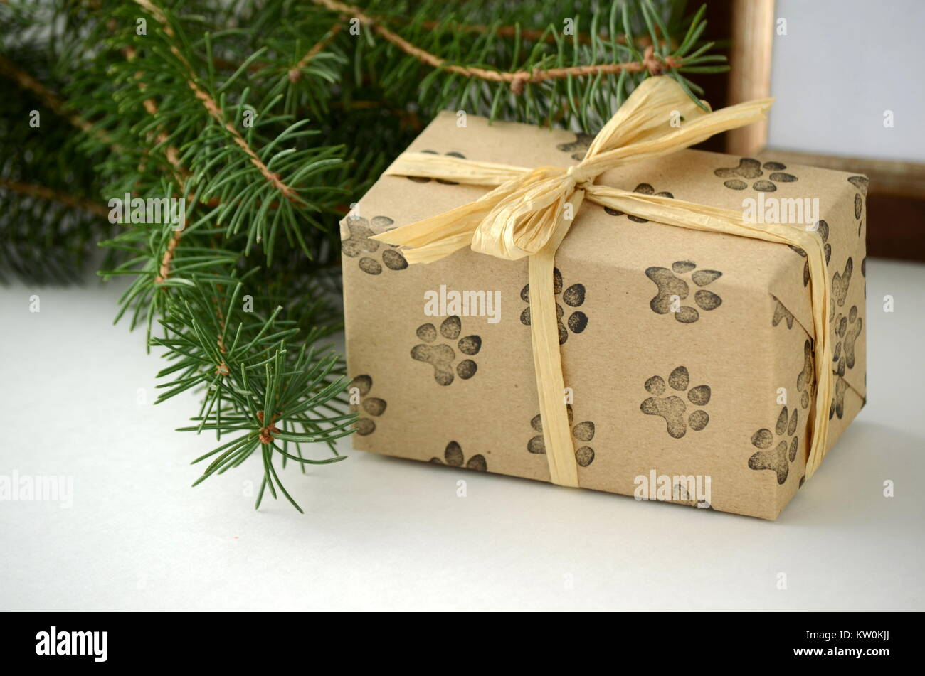 Beautifully wrapped Christmas gifts and presents. Colorful gift ...