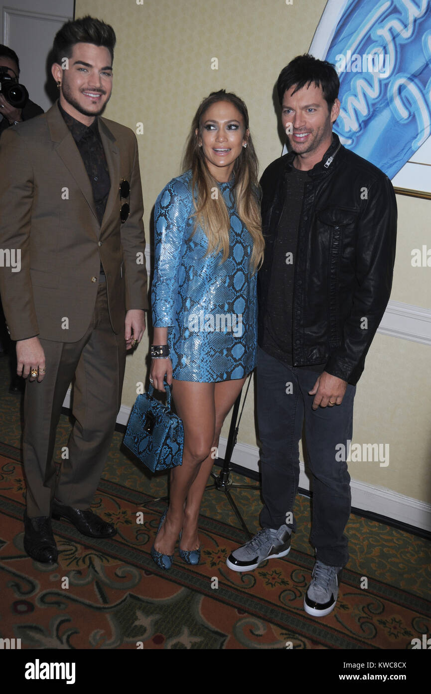 picture Jennifer Lopez Attends American Idol Photocall In A Daring Blue Snakeskin Ensemble