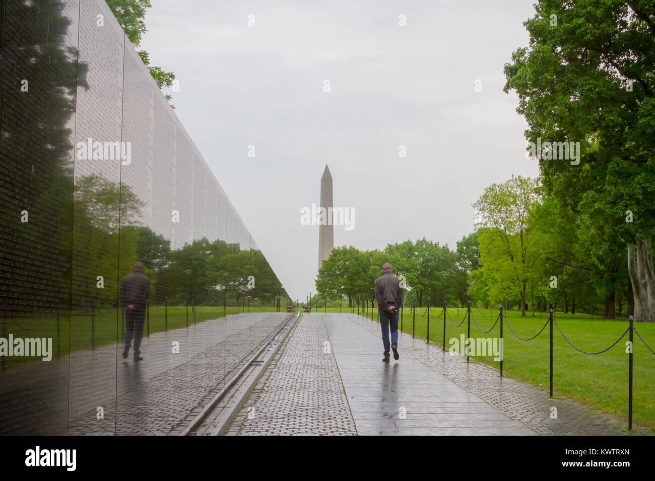 Attrayant Vietnam Veterans Memorial, In Washington DC, Vietnam Memorial Wall, Designed  By Maya Lin, Dedicated In 1982