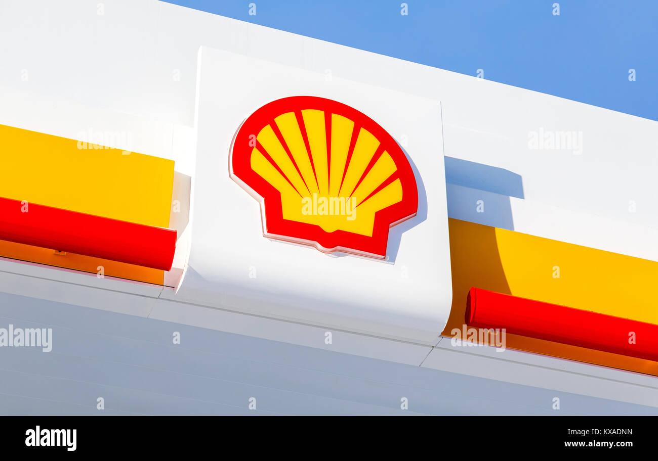 royal dutch shell company profile Rdsa - key executives, insider trading, ownership, revenue and average growth rates detailed company description & address for royal dutch shell plc adr cl a.