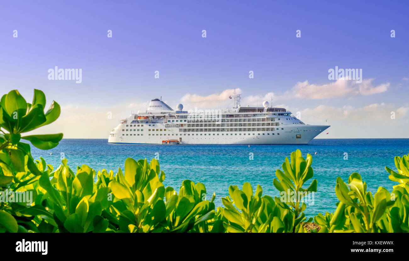 Grand Cayman Cayman Islands Jan The Silver Wind Cruise - Cruise ship schedule grand cayman