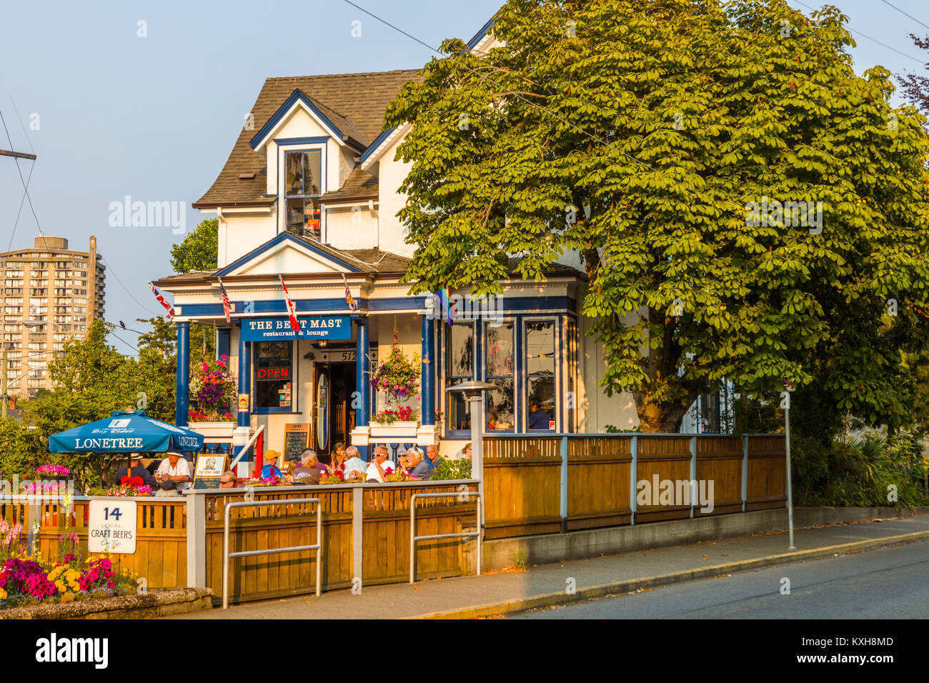 The Bent Mast reataurant and Lounge in the James Bay area of ...