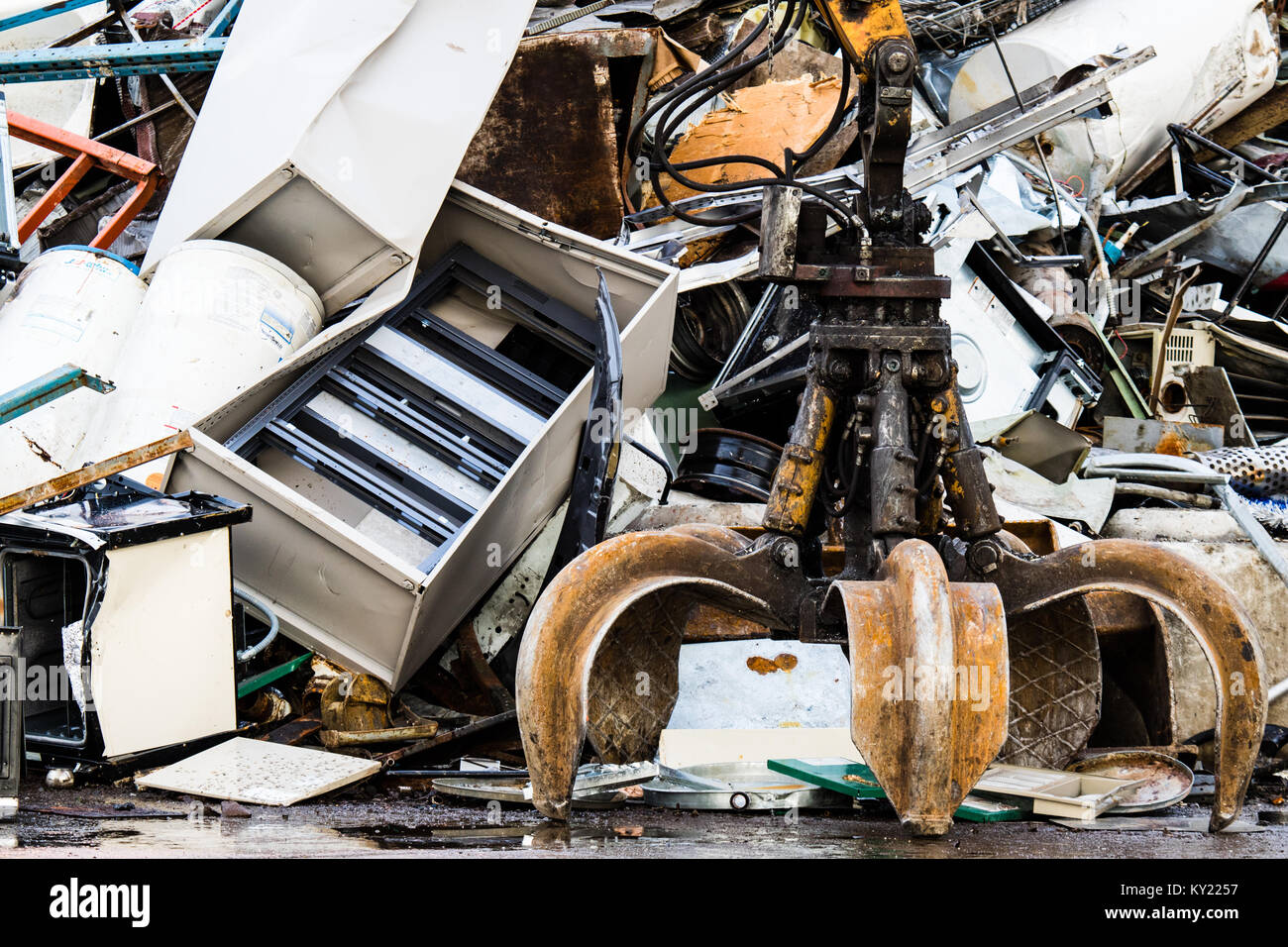 Used Electrical Appliances Stock Photos Amp Used Electrical