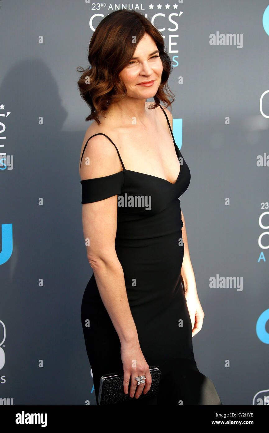 Betsy Brandt nude (77 foto and video), Ass, Paparazzi, Boobs, butt 2006