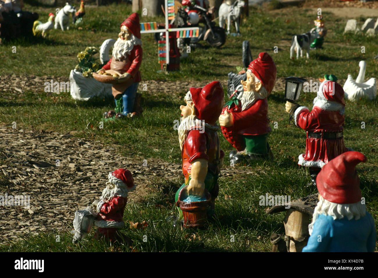 Funny red garden gnomes/ dwarfs Stock Photo: 171587231 - Alamy