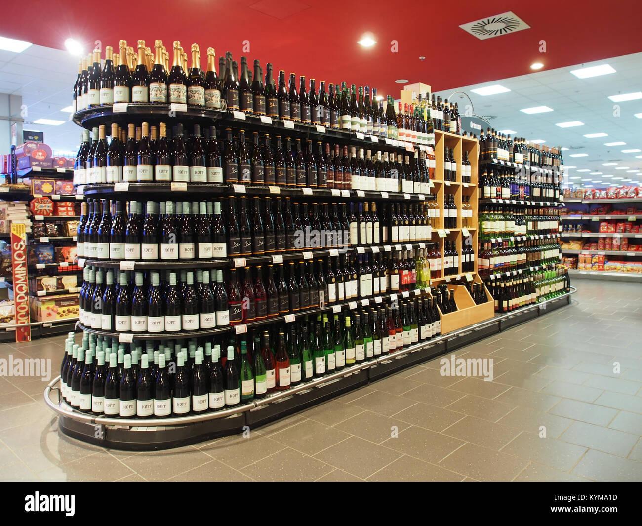 Edeka, Cité, Baden-Baden, Alkoholische Getränke Bild 8 Stock Photo ...