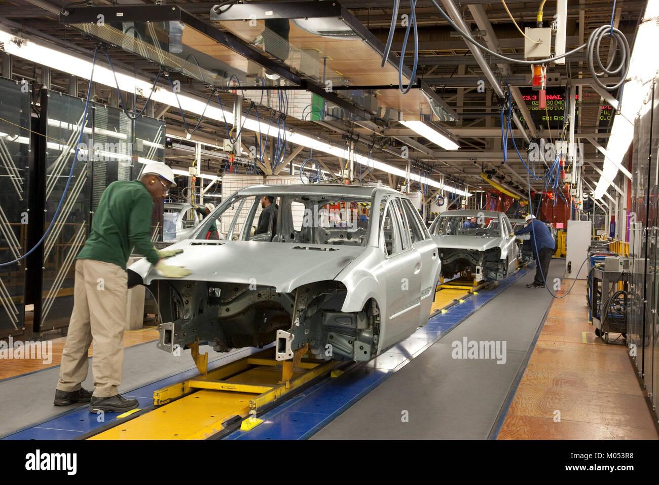Mercedes benz manufacturing plant stock photos mercedes for Mercedes benz manufacturing