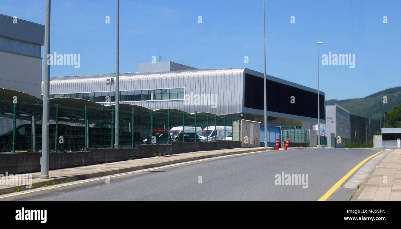 Empresarial stock photos empresarial stock images alamy for Oficina yoigo alcobendas