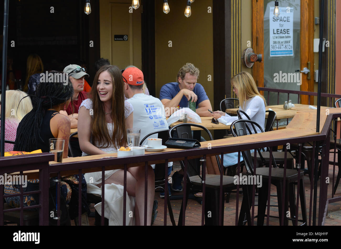 Patrons Of A Casual Restaurant On Pearl St Mall In Boulder Co