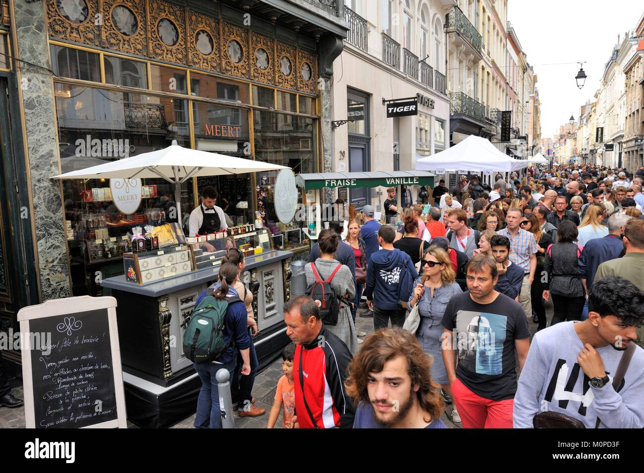 Lille braderie stock photos lille braderie stock images alamy - Braderie lille 2017 date ...