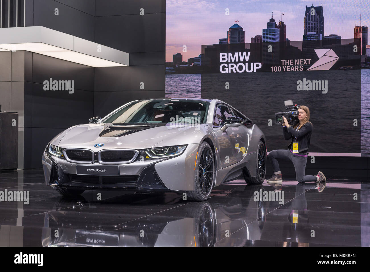Detroit Mi Usa January 15 2018 A 2018 Bmw I8 Coupe Hybrid Car