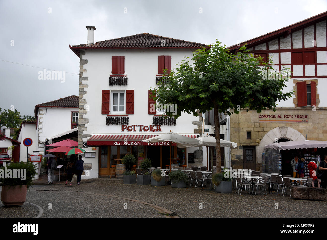 France pays basque espelette stock photos france pays for Aquitaine france cuisine