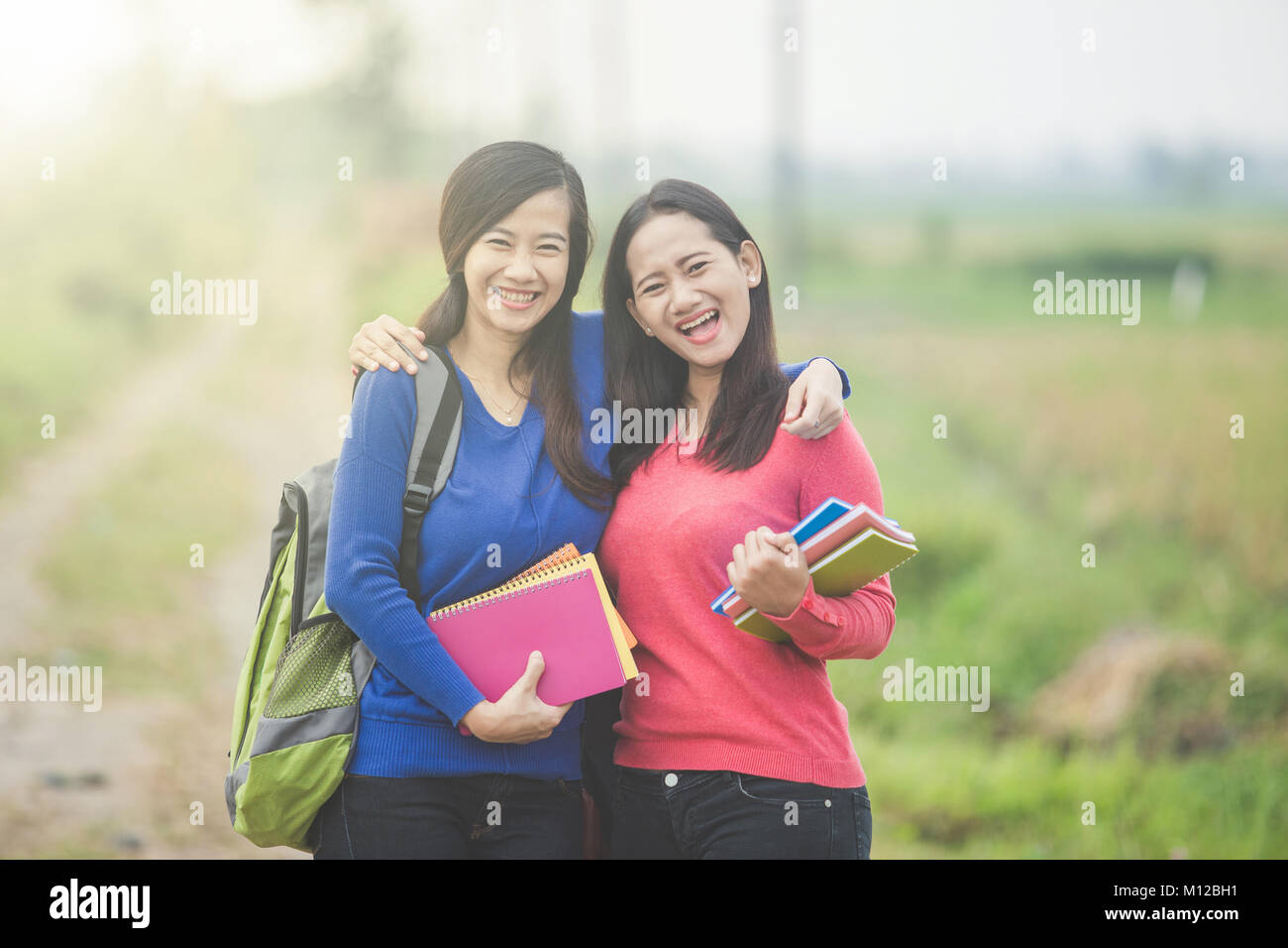 Young asian students — photo 9