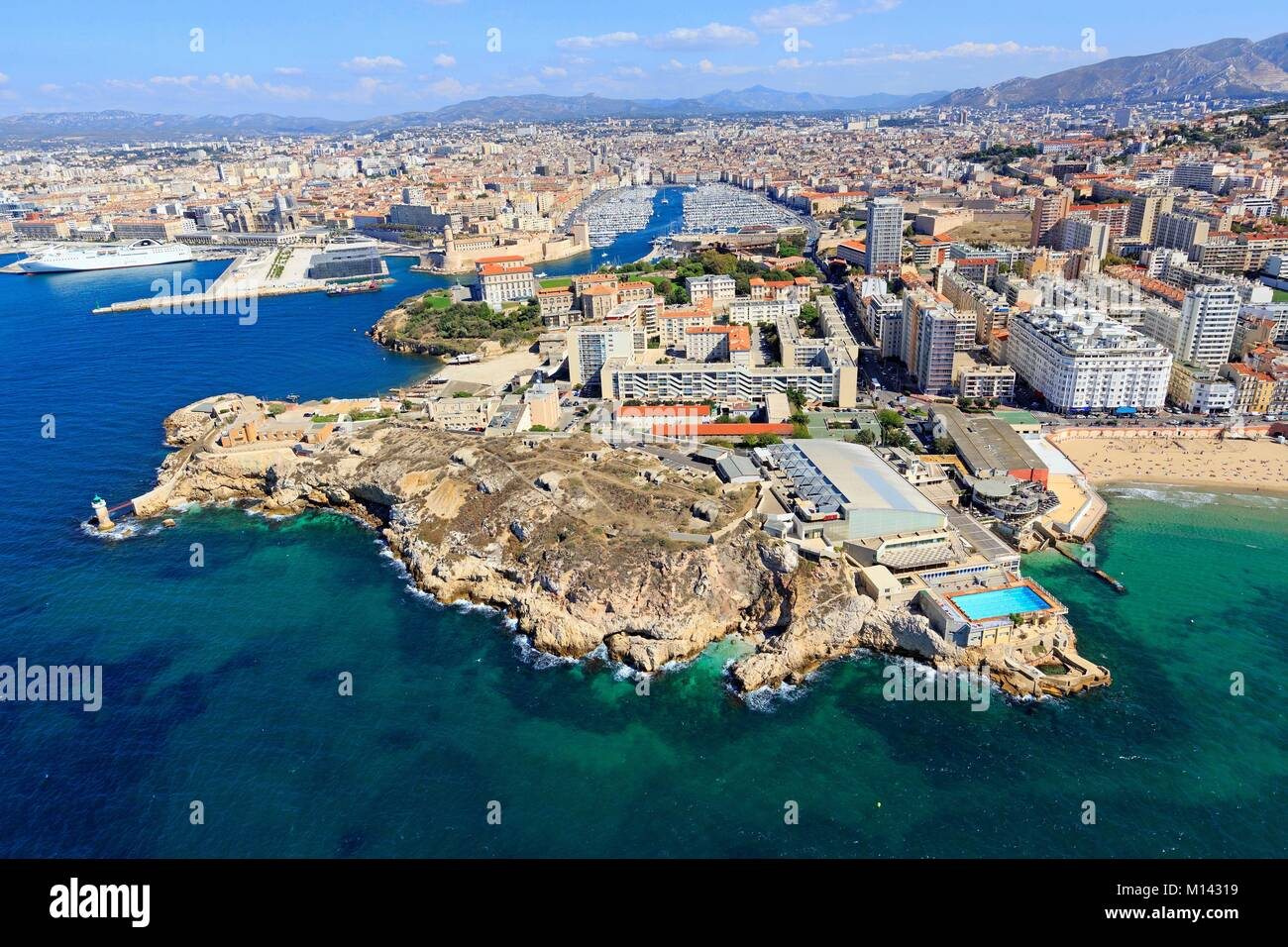 aerial people beach pool stock photos aerial people beach pool stock images alamy. Black Bedroom Furniture Sets. Home Design Ideas