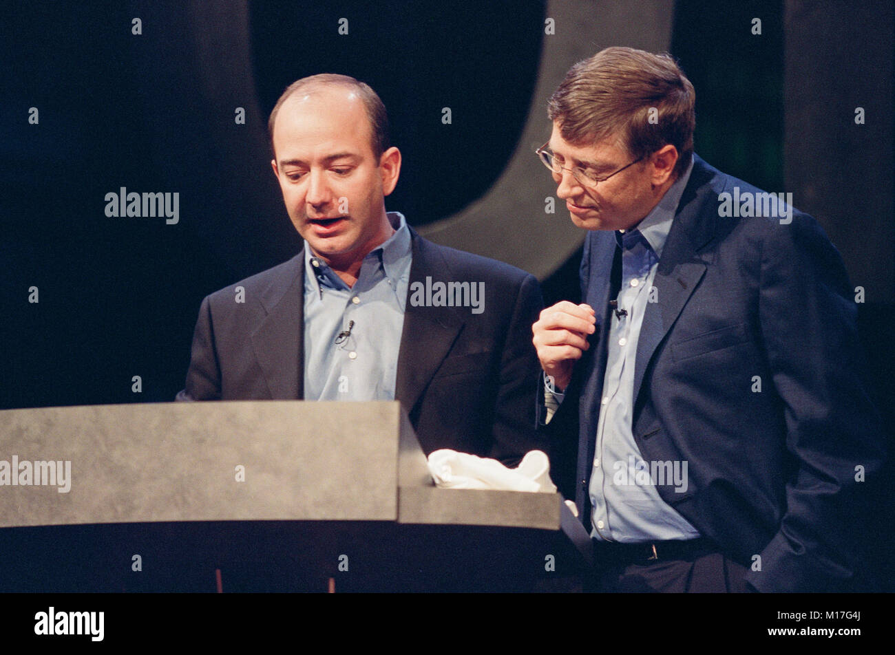Amazon Com Ceo Jeff Bezos L With Microsoft Ceo Bill Gates R At