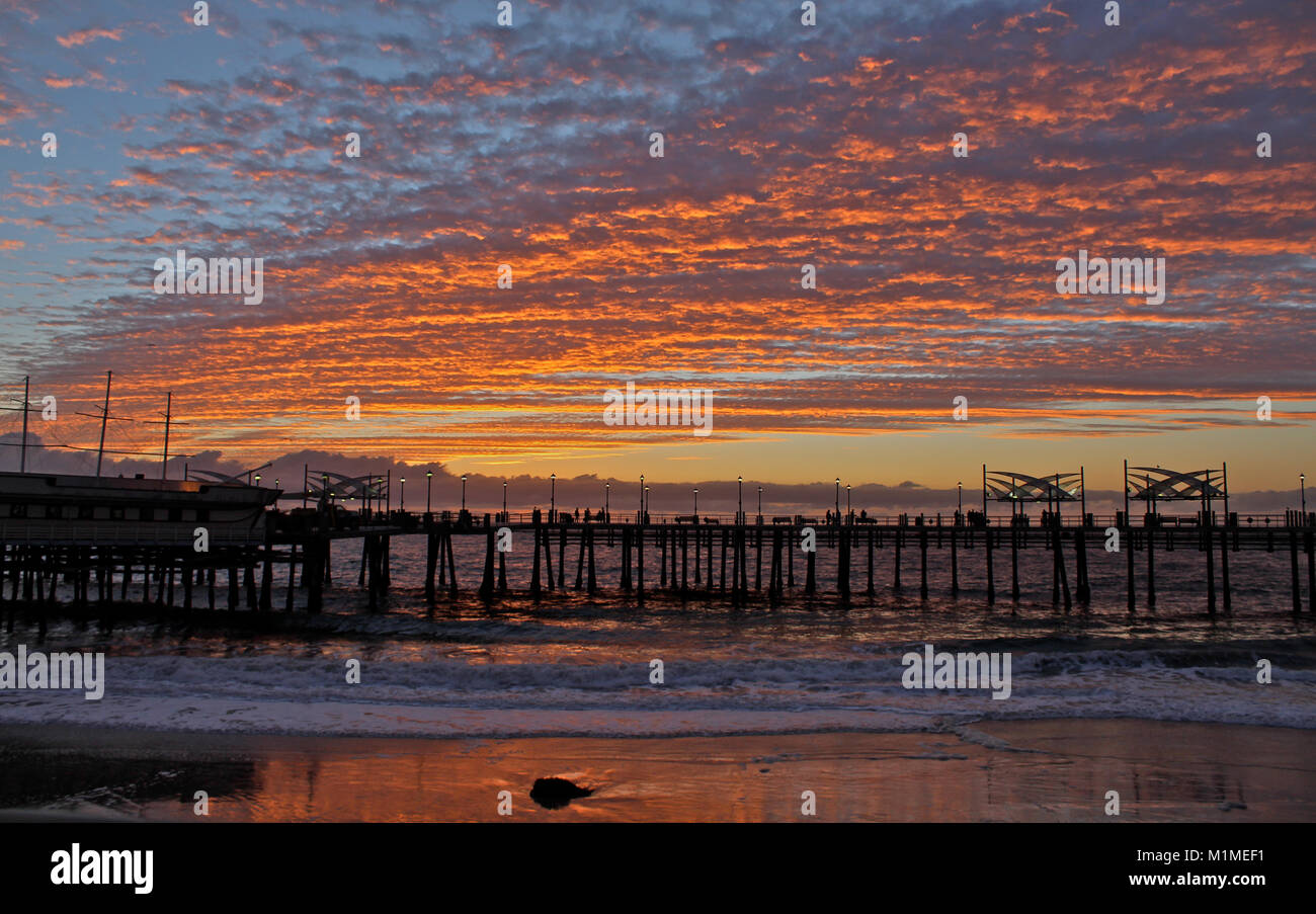 Redondo pier stock photos redondo pier stock images alamy for Redondo beach pier fishing