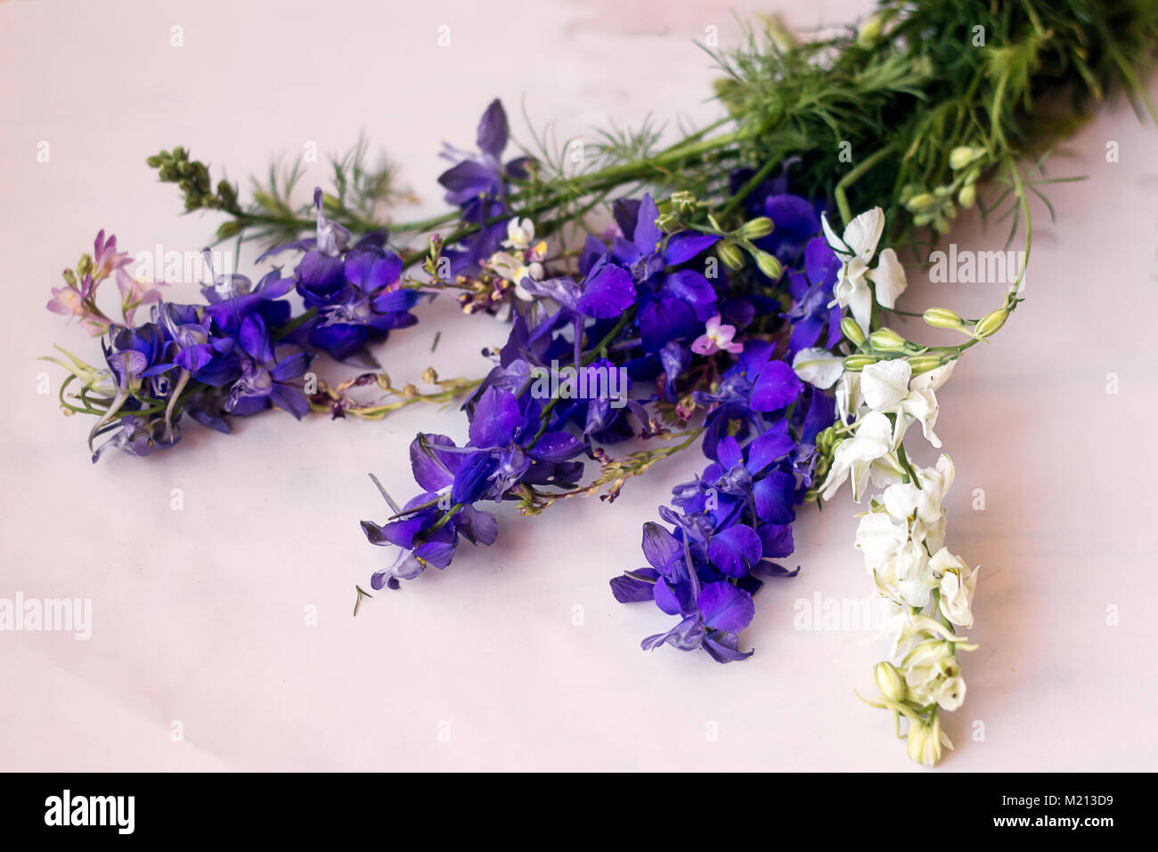 Mixed Flower Bouquet In Purple And White Stock Photo 173357669 Alamy